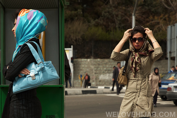 Do hijabis or non-hijabis have more problems with hijabs?